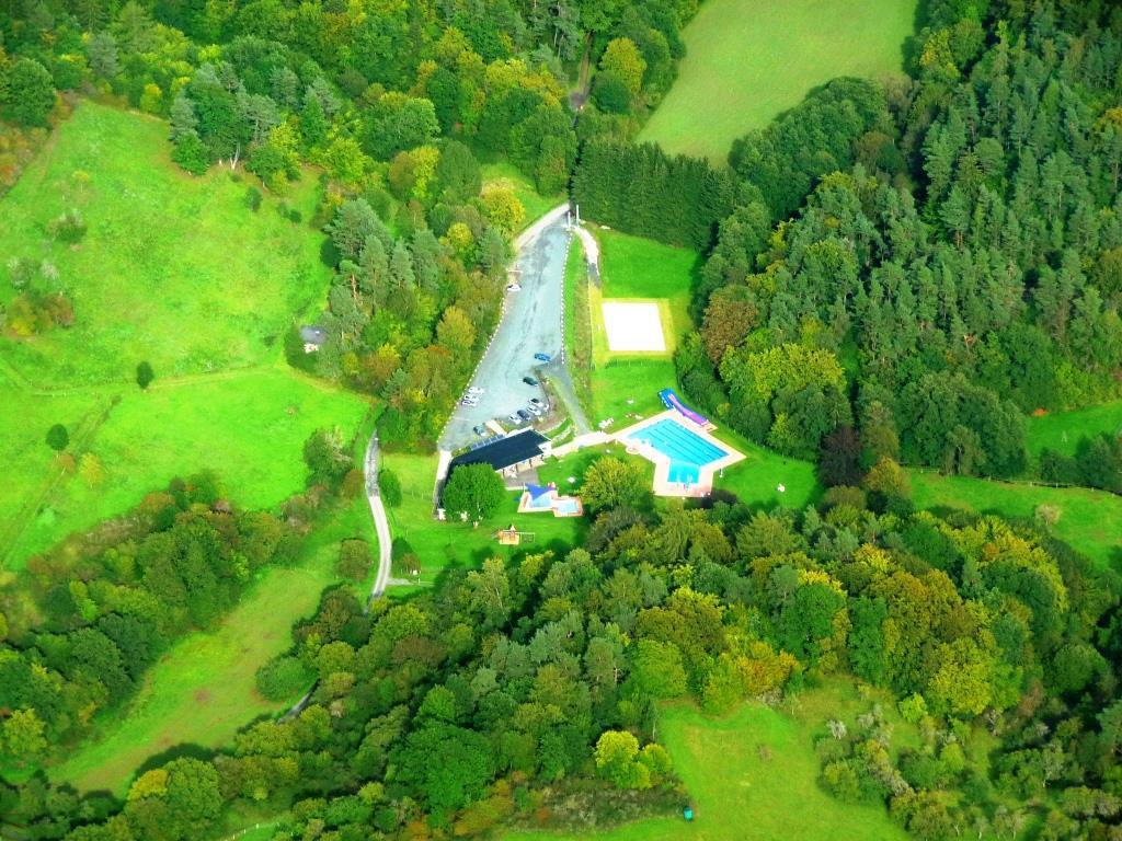 Waldschwimmbad - Luftaufnahme