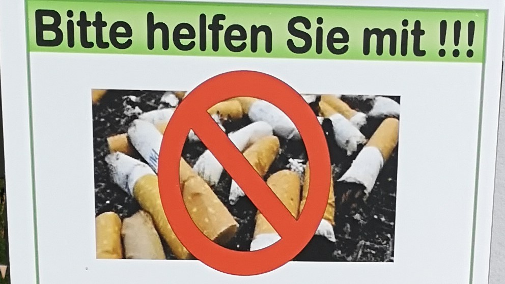 """Für Raucher: Umweltfreundliche"""" Aschenbecher für die Liegewiese"""