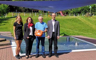 Sponsoren ermöglichen Anschaffung eines Defibrillators