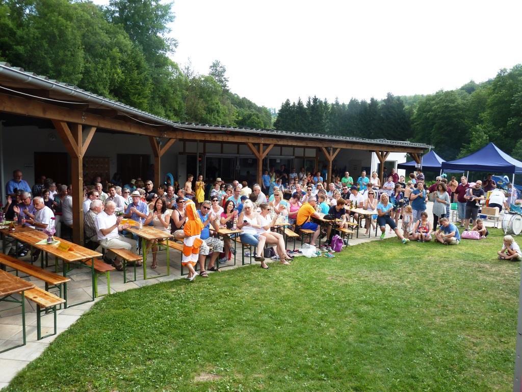 Teilnehmer am Festakt Jubiläum Waldschwimmbad Oberscheld